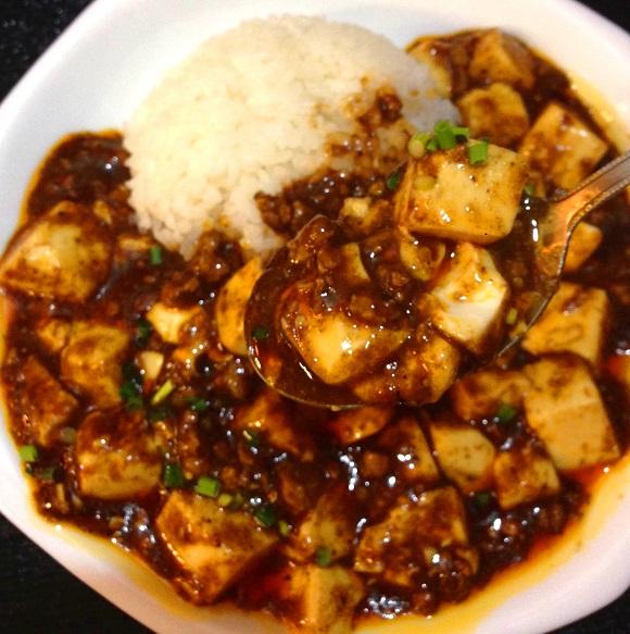 【カレーフェス】「麻婆豆腐 + カレー」が最高にウマイ! 本格中華居酒屋『一心』が「麻婆咖哩」で新境地!