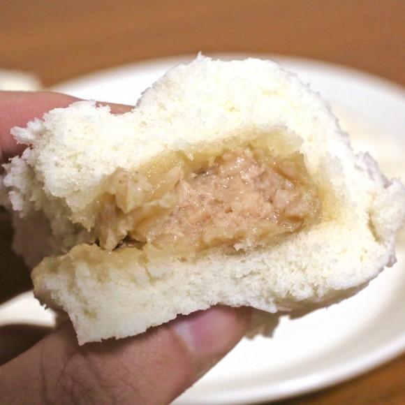 【セブンイレブン】皮ふっくらの肉汁ジワーッ! 北海道限定の『道産ホエイ豚まん』は全国販売するべき逸品だ!!