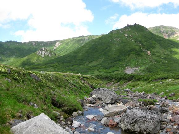 【天空の秘湯】標高1800メートルにある北海道『中岳温泉』があまりにもワイルド / 気がついたら全裸になっているレベル