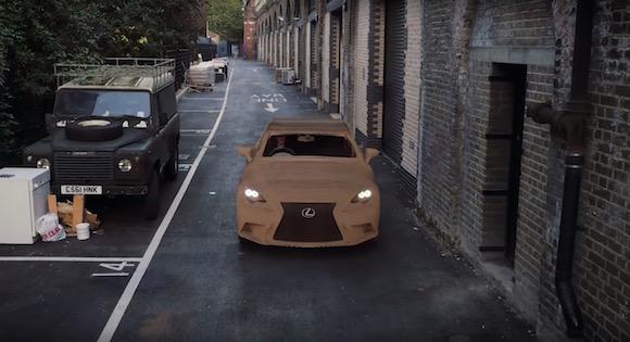 【衝撃動画】遊び心が本気すぎ! トヨタが段ボールで製作した「走れる車」が神クオリティ