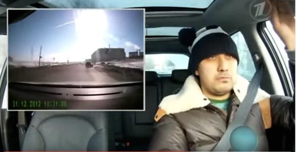 【まるでゴルゴ13】隕石が落ちてきても無表情をキメこむドライバーが激撮される