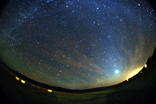 【緊急速報】今日10月21日夜に「オリオン座流星群」がピーク! 22時以降に空を広く見渡してみよう / 月が沈む0時~明け方が最大のチャンス