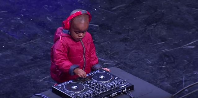 【動画あり】3歳のDJが南アのオーディション番組に出演 / あまりの実力とかわいさに場内騒然