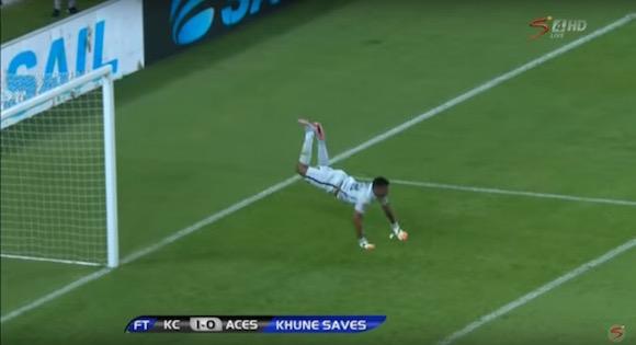 【衝撃サッカー動画】シンクロ率100%! 南アフリカに伝説のプレー「スコーピオンキック」を完全再現したゴールキーパーがいた!!