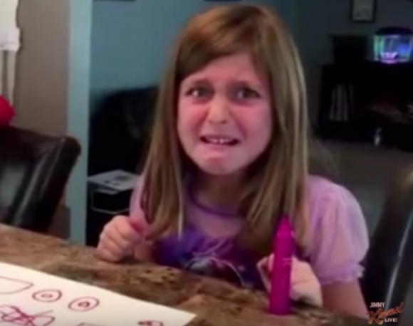 """「ハロウィンのお菓子、全部食べちゃった! 」という """"ドッキリ"""" に子供たちが怒りMAXでブチ切れ! 荒ぶる動画は再生回数1000万超え!!"""