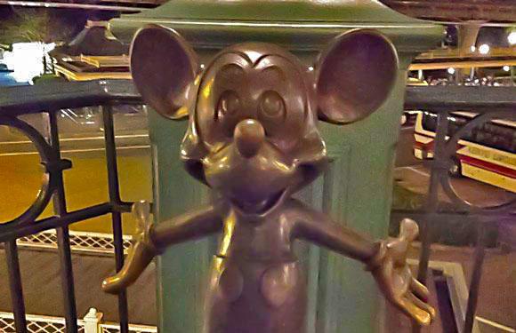 【ミキミニ生誕祭】ハハッ♪ 本日11月18日はミッキー&ミニーマウスの誕生日なんだよ! 2人とも87才おめでとう!!