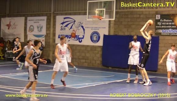 【衝撃バスケ動画】15歳で身長2メートル30センチ! イタリアでプレーする高校生のゴール下が無敵すぎる!!