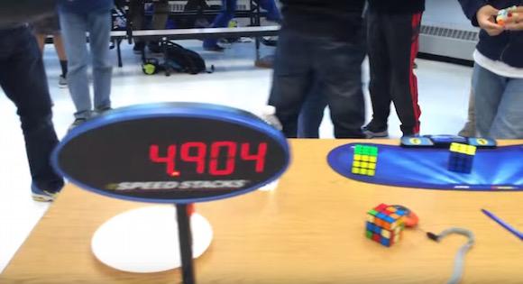 【神業動画】わずか4秒90! ルービックキューブの世界最速記録が更新される!!