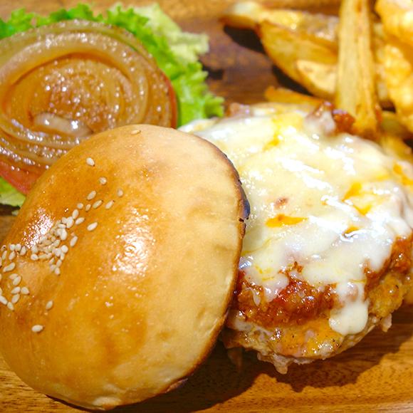 【北海道ハンバーガー紀行】 極上の豚肉が激ウマ! 十勝帯広「ヒル ビリー」の『ビリーズバーガー』