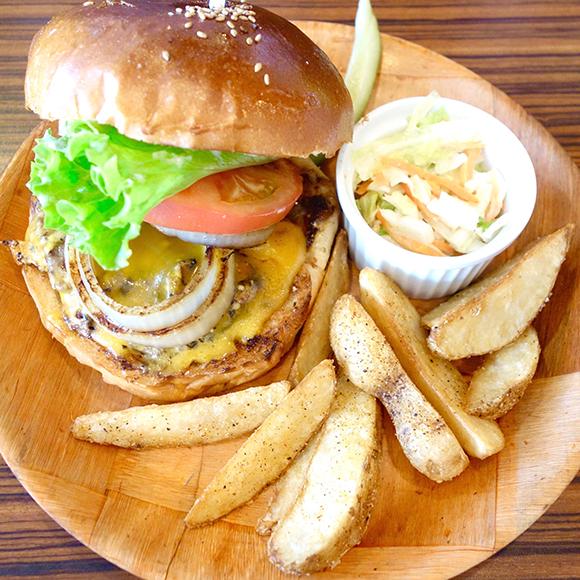 【北海道ハンバーガー紀行】本場アメリカの味を追求!  札幌『ジャクソンビル』の「プレミアムチーズバーガー」
