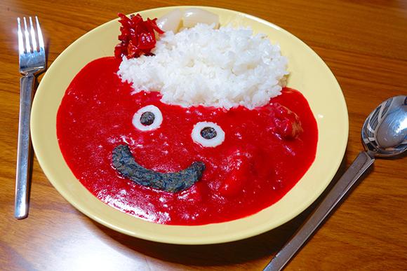 """【スライムカレー】新色キター!「やくそう味・どくけし味・ざっそう味」を食べてみた / 真っ赤な「ざっそう味」は色の """"こうげき力"""" がハンパない!!"""