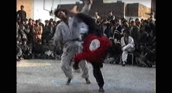 【衝撃動画】激レア異種格闘技戦「カンフー vs テコンドー」