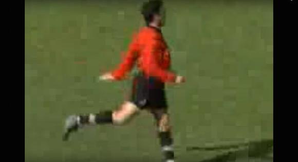 【伝説サッカー動画】世界一かわいいと言われた審判「クレジオ・ドス・サントス」