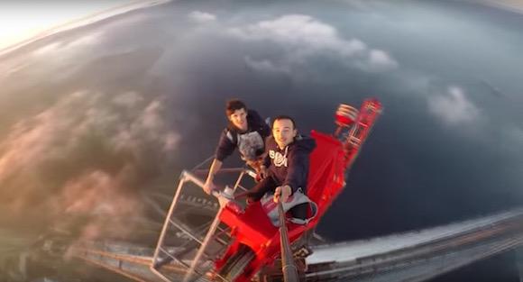 【閲覧注意】見ているだけで目まいがする! 350メートルの高所に登る視点映像がチビってしまうほど恐ろしい!!