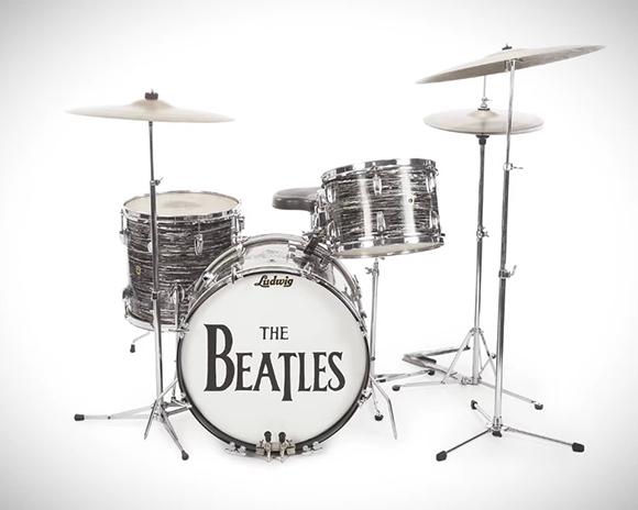 【速報】ビートルズ初期のドラムセットが約2億5900万円で落札される