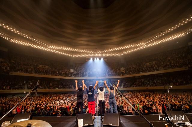 【ライブレポート】フラワーカンパニーズが結成26年でついに登りつめた夢の舞台! 武道館がライブハウスになった一夜