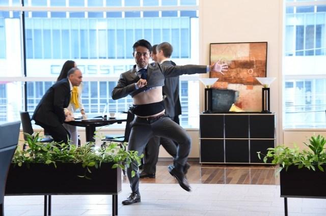 【見たら後悔する!?】杉村太蔵のあるCMが完全にヤバイ/ お腹丸出しスーツに意味不明なダンス