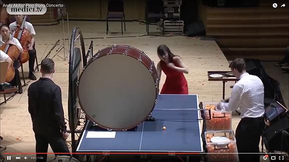 【動画】なんじゃこりゃ! 卓球とオーケストラを融合した「ピンポン協奏曲」の演奏が大迫力だと話題