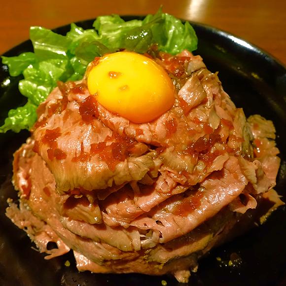 【北海道グルメ】超希少な肉を使用した極上の「ローストビーフ丼」が864円で食べられる店 / 札幌『ゴーゴーイレブン』