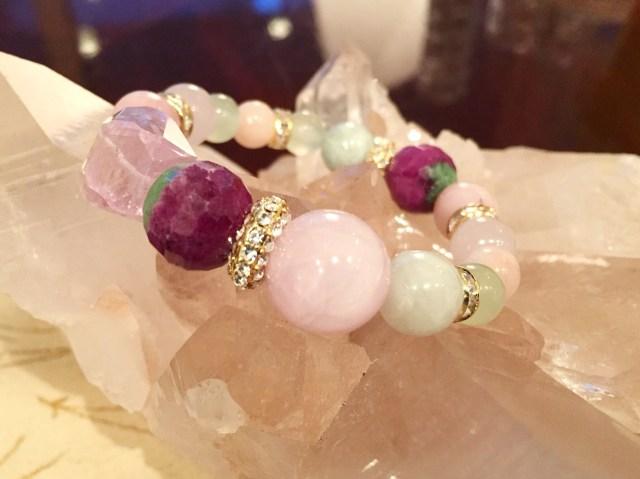 セーラームーンの敵キャラ『ダーク・キングダム』四天王の宝石でブレスレットを作ってみたら驚くほど優美でオシャレなものが出来た!!