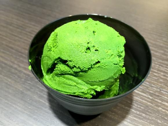 【衝撃】浅草の「世界一濃厚な抹茶ジェラート」がマジ濃すぎィィイイ! 茶葉をそのまま食べてるのと同レベルと判明!!