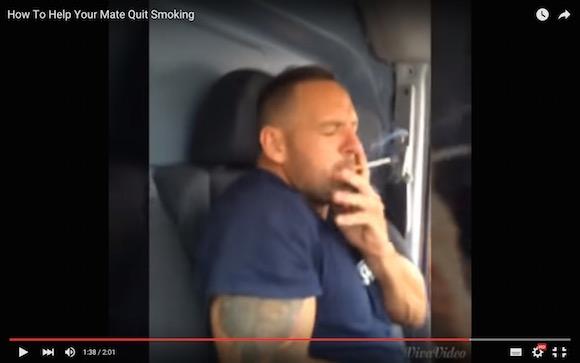 【真似厳禁動画】友人を禁煙させるためにタバコの葉っぱと火薬を交換して吸わせてみた