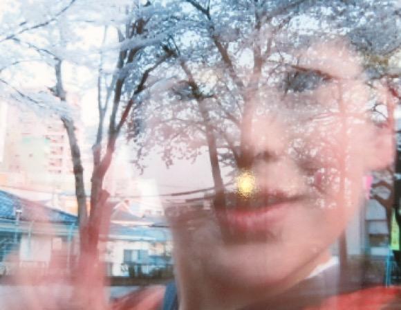 【閲覧注意】ショック! 池袋北口の路上に巨大な心霊写真が祀られていた!! Byクーロン黒沢