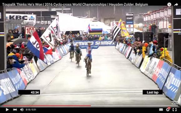【世紀の大失態】自転車レーサーが周回数を間違えてガッツポーズ → 追い抜かれて優勝を逃す