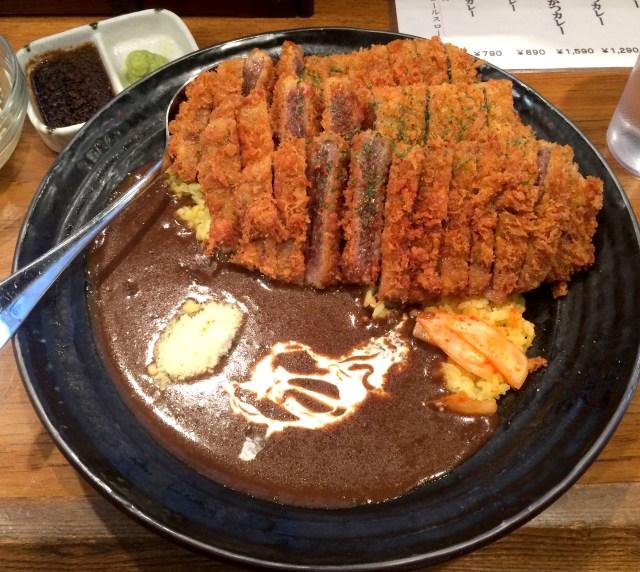 【カレー探求】昼はカレー 夜は立ち飲みの二毛作の店で極上牛かつカレーを食す / 東京・池袋「五坪」