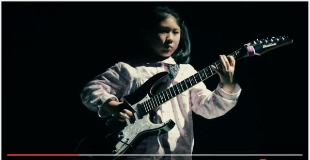 【速弾き動画】世界を驚かせた天才ギター少女が成長してさらにスゴくなってるーーッ! 大人でも太刀打ちできないレベル