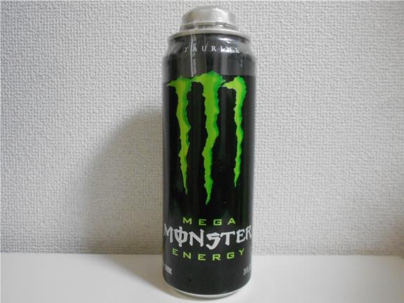 日本のモンスターエナジーの2倍! 『メガモンスターエナジー(MEGA Monster Energy)』がカンボジアで売ってたから買ってきた