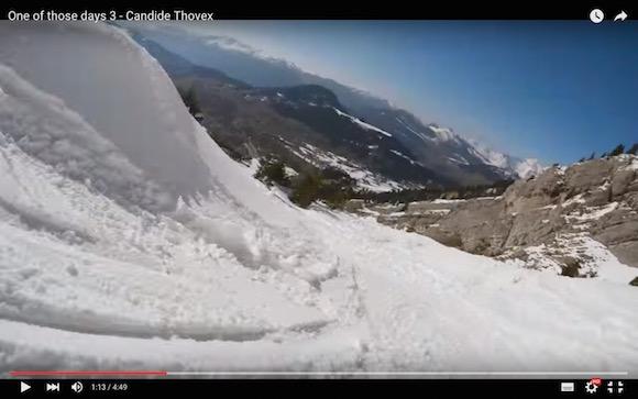 【衝撃動画】命知らずのド変態! 全力疾走しながらスタントするスキーヤーがどう見てもヤバすぎる