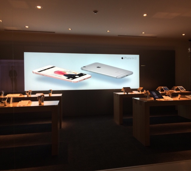 【iPhone SE行列】発売開始間近! アップル・ドコモ・ソフトバンクの店頭準備に衝撃!!