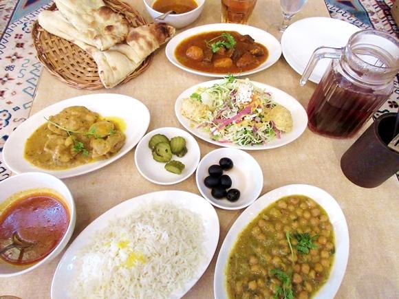 【コスパ最強】1000円でトルコ料理が食べきれないほど出てくる『幸せランチ』を知らないとか人生損してる! 日暮里「レストラン ザクロ」