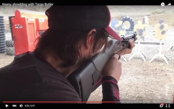 【動画あり】キアヌ・リーブスの射撃トレーニングがカッコよすぎると話題