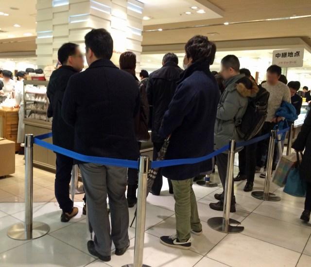 【意外な事実】ホワイトデーが一部の男性の間で大盛り上がりな件 / 百貨店洋菓子コーナーに男性の行列が!?