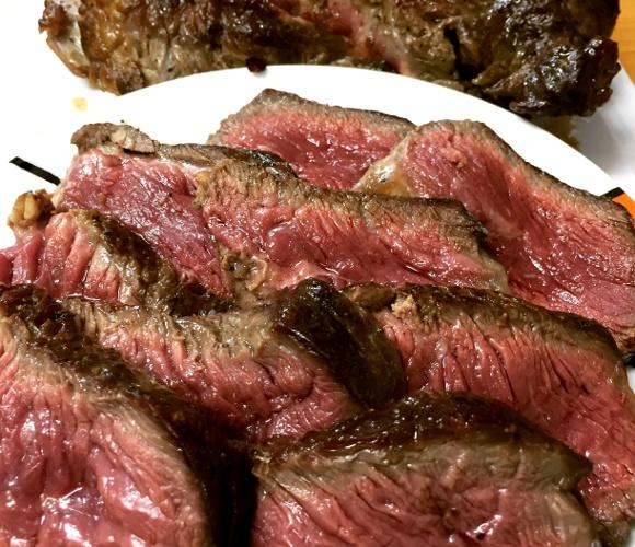 追記あり【神コスパ】超巨大「2キロの熟成肉」を自分で作ってみた結果 → こんなウマいステーキ食ったことネェェエエエ!!