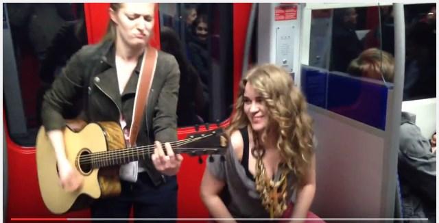 """【音楽って素晴らしい】地下鉄車内の演奏に突然オジサンが参加して """"奇跡のセッション"""" が生まれる瞬間!"""