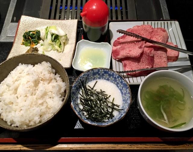 """良質な肉をリーズナブルに食える! 東京・代々木の穴場焼肉屋「がんこちゃん」では """"漬物でご飯食い過ぎ"""" に注意!!"""
