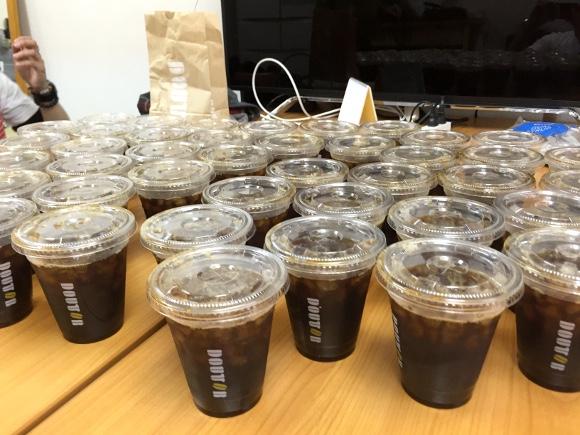 【検証】民進党『山尾議員』のコーヒー代が1日最大7万円オーバーと話題 / ドトールで1万円分のコーヒーを買って飲んでみた
