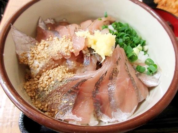 嵐の大野クンも食べた! 東京・赤羽の鯵専門店「鯵家」のコスパが抜群 / 奇跡のワンコイン『鯵たたき丼』だけでも食べとけ!!