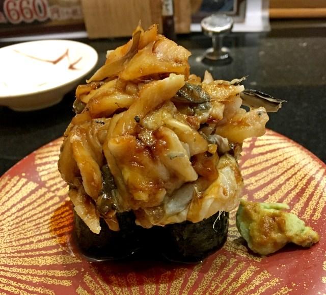 山盛りにもほどがある! 三浦三崎港の軍艦巻きがハンパじゃない / 寿司つまむってレベルじゃねえぞ!