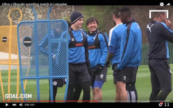【動画あり】岡崎慎司選手が愛されすぎ! チームメイトと監督からイジられまくる