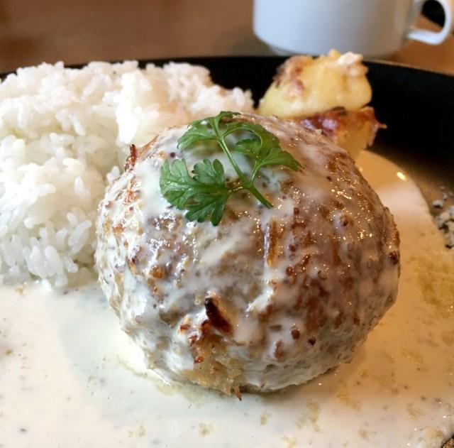ま~るいハンバーグから肉汁ジワリ! 東京・新橋「スタンディングバー SHIMBASHI」の絶品ハンバーグ