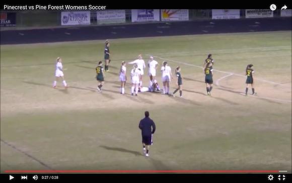 【衝撃動画】これは超悪質! 女子サッカーで信じられないようなラフプレーが激撮される