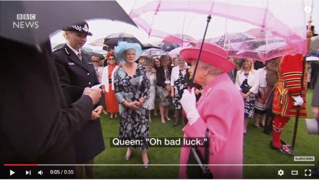 【戦慄】英国女王が「中国ご一行は本当に無礼」と話したと暴露 → 中国メディアが反応! 「西洋メディアはゴシップ狂で野蛮でナルシスト」「中国を見習え」