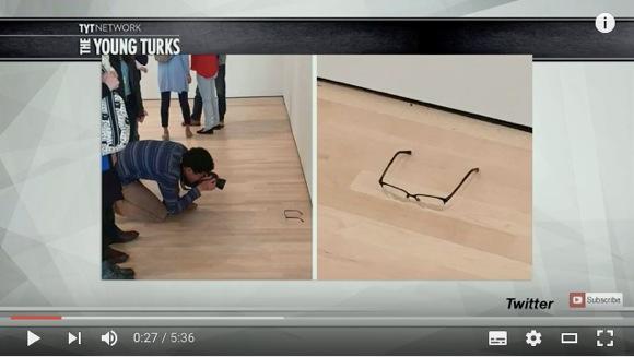 【実験】美術館に「何の変哲もないメガネ」を置いておいたら……こうなった