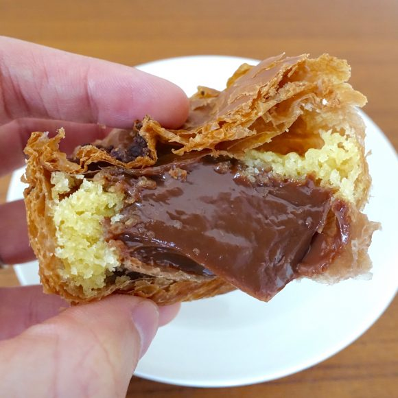 【保存版】ロイズベーカリーで「チョコレートパン」6種類を食べ比べてみた / 断トツでウマかったのがこれだ!