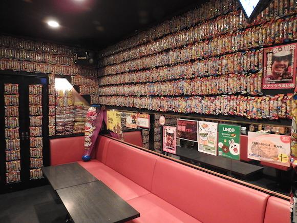 【東京進出】5万本の「うまい棒」に囲まれたバーが新宿歌舞伎町に出店! 飲食業界に革命を起こす『スナックうまい棒』