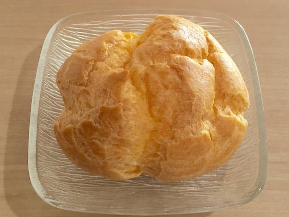 【知っ得】超簡単! シュークリームの中身をこぼさずに食べる方法